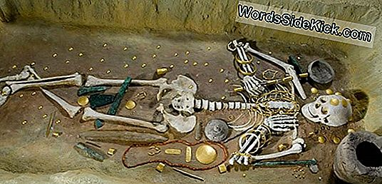 Buried Treasure: Ancient Grave Found Brimming Met Juwelen