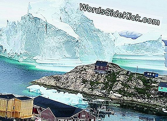 12-Million-Ton Iceberg Bedreigt Greenland Village