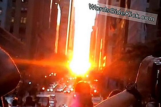 Sun Turns Nyc Vanavond In 'Manhattanhenge'