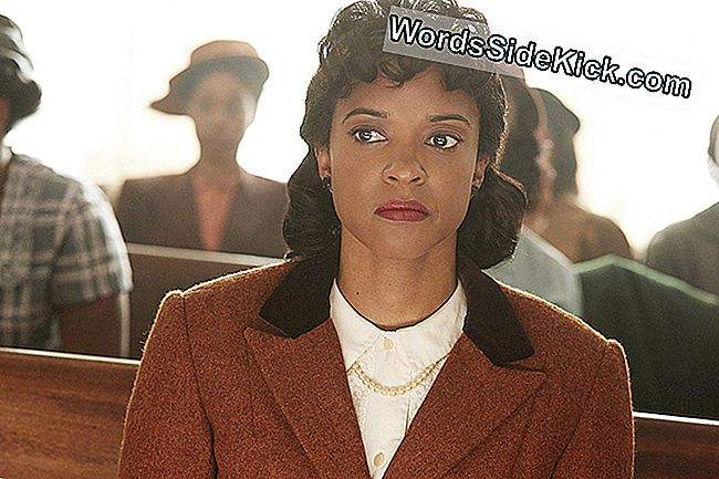 Renée Elise Goldsberry als Henrietta Lacks, waarvan de cellen de