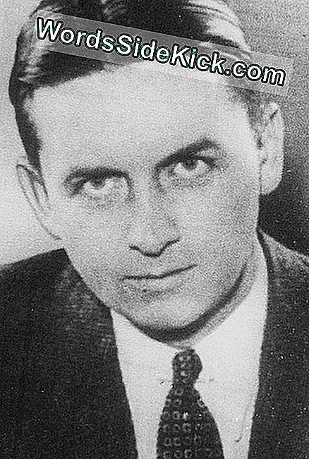 US Treasury Agent Eliot Ness.