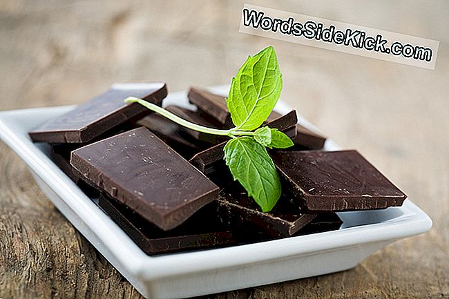 Notizie Agrodolce: Chocolate May Trigger Acne