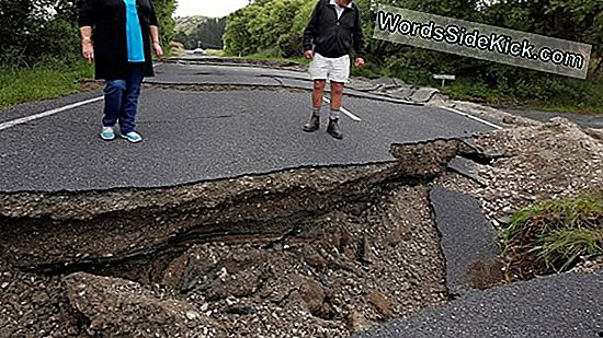 75. Aftershock Of Magnitude 6 Eller Higher Hits Nær Japan