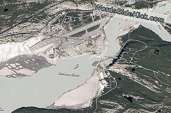 Smeltende Ice Floods Greenland River, Satellite Photo Shows