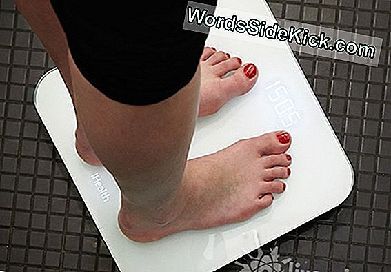 Bedste Smart Scale: Fitbit Aria Vs Withings Body Analyzer
