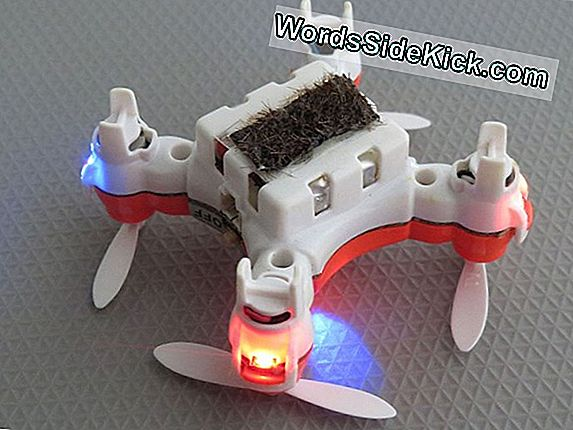 Mini Flying Robot Schwebt Wie Quallen