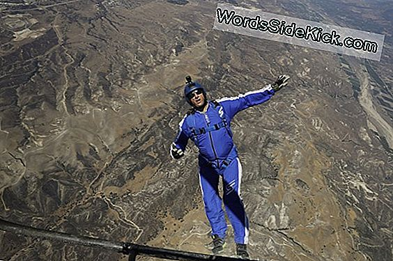 Extreme Halo Skydiver Falls To Death