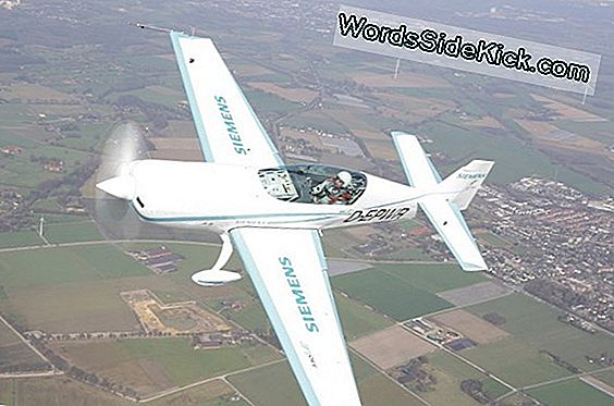 210 Mph! Electric Plane Beats Speed ​​Record