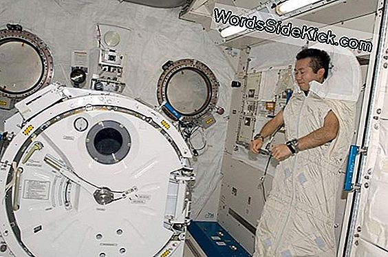 Sleepless In Space: Getting Shut-Eye Is Moeilijk Daarbuiten