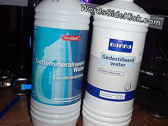 Wat Is Gedestilleerd Water?