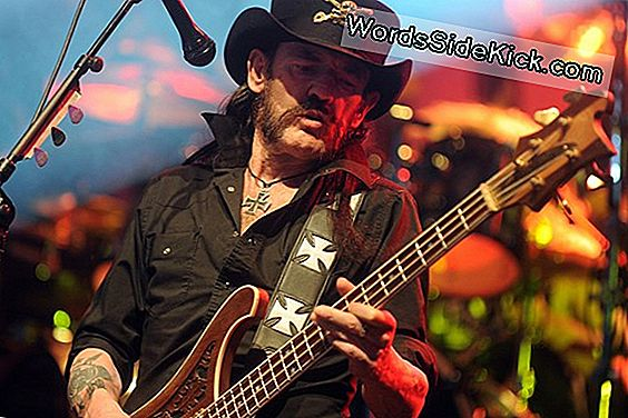 Real Heavy Metal: Fans Want Motörhead Singer Op Periodic Table