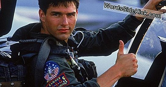 Tom Cruise To Fly Last Manned Fighter Jet In 'Top Gun 2'