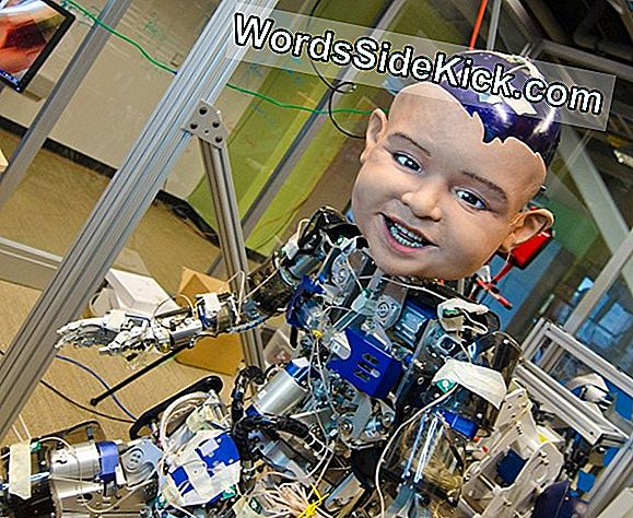 Zegarek Uncanny Valley: Robot Baby Evolves