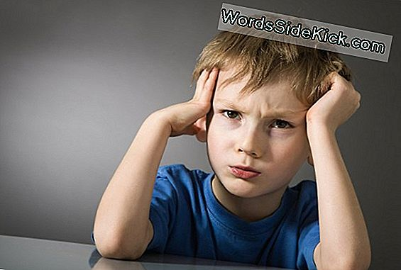 Migraines May Hamper Kids 'Okul Performansı