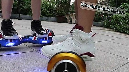 'Hoverboard' Scooter Neden Fly?
