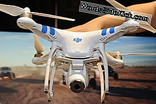 DJI Innovations DJI Phantom 2 Vision въздушна система без дрон бе демонстриран по време на медиен визуализация за International CES 2014.